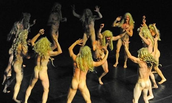 Шоу «Немного нежности, чёрт возьми!» : веселый хоровод в исполнений златокудрых бестий ( Фото:DR)