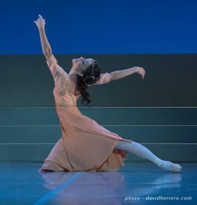 Мария Гутьеррез (Джульетта) в сцене Балкона, балет «Ромео и Джульетта»