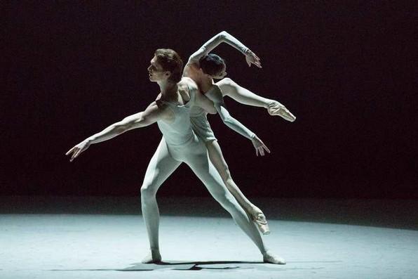 Люсия Локарра и Марлон Дино в балете Б.Стивенсона «Три прелюда»