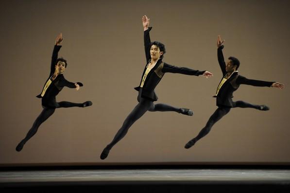Фрагмент балета Ю.Посохова «Классическая симфония»