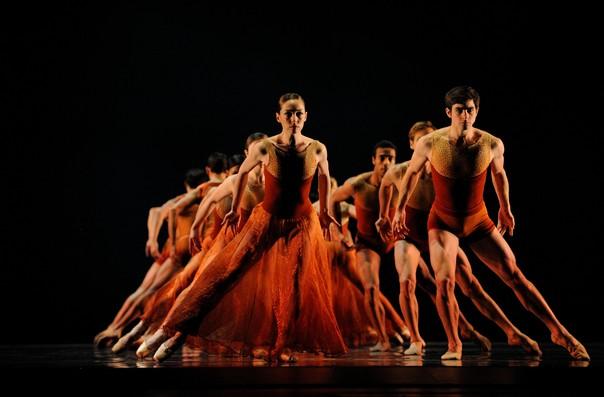 Фрагмент балета Э.Лианга «Симфонические танцы»