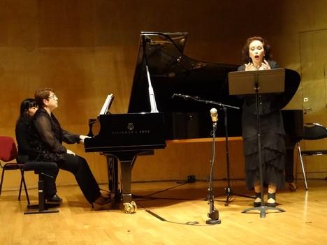 Л.Слепнева исполняет вокальный цикл на стихи Ф.Сологуба
