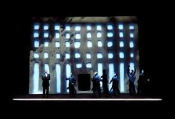 Сцена пролога-заставка ко всему спектаклю